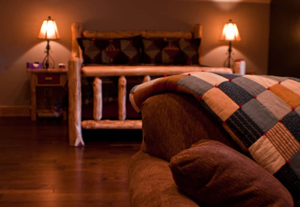the Loft Suite Bed and Breakfast Edgewood Inn